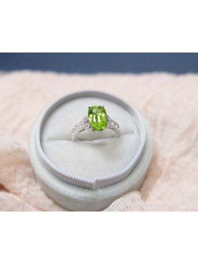 2.70 Carat Preset Green Peridot Ring in 18K White Gold